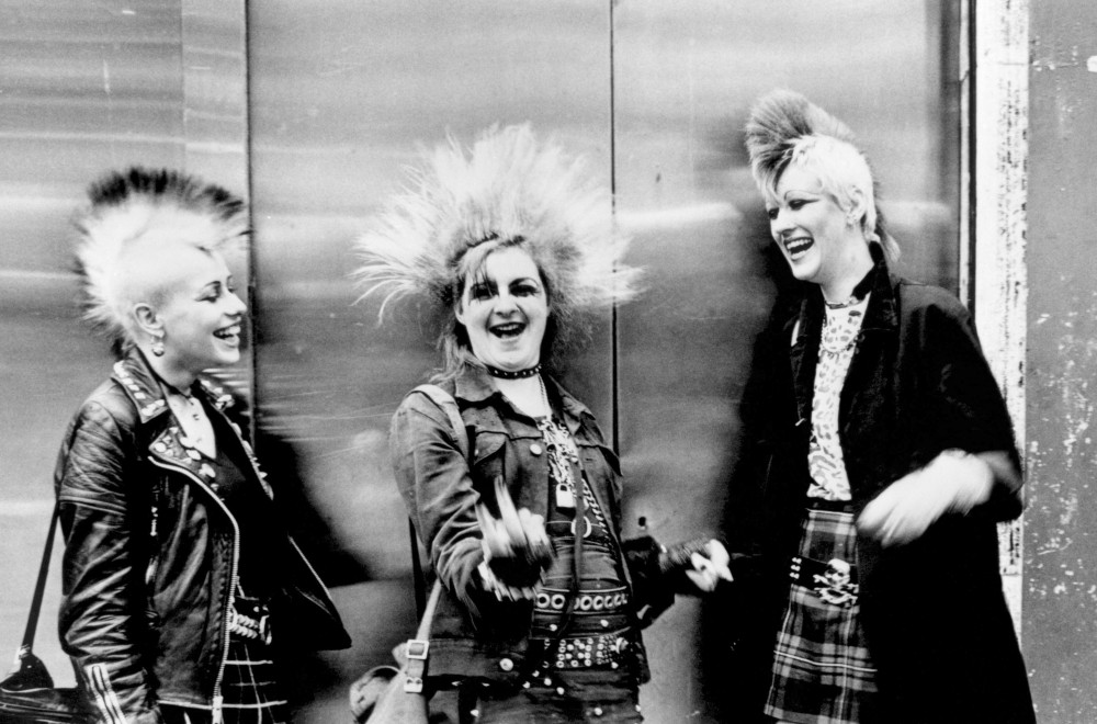 Three punks with mohicans, Chelsea, Kings Rd, London, 1970s. -®Ted Polhemus_PYMCA